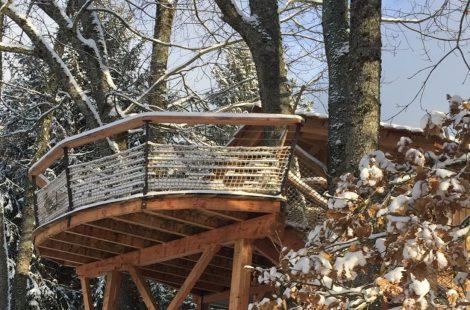 cabane-perchee-neige